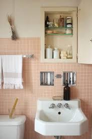 rosa fliesen badezimmer deko ideen badezimmermöbel