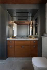 75 badezimmer mit marmorboden und holzdecke ideen bilder