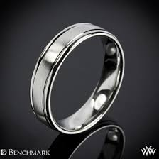 Benchmark fort Fit Wedding Ring with Spin Satin Finish