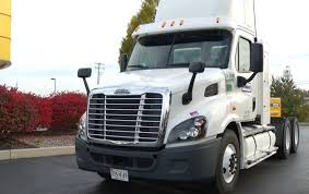 100 Penske Semi Truck Rental Leasing Presenting And Exhibiting At Natural