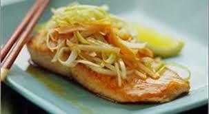 cuisiner avec du gingembre filet de saumon au gingembre forking dîne avec une fourchette