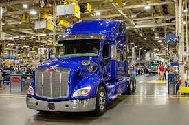 100 Oklahoma Trucking Association First Peterbilt Model 579 UltraLoft Enters Service With Carrier