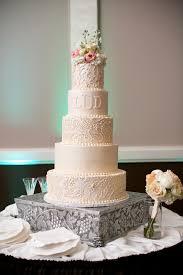 Elegant Ivory Wedding Cake We This Moncheribridals