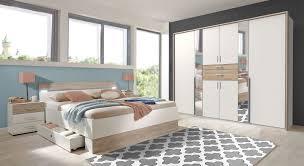 komplett schlafzimmer modern mit weißem stauraumbett kormoran