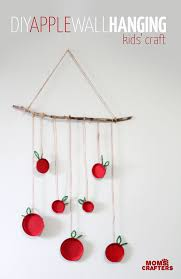 Make This Beautiful Apple Wall Hanging