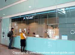bureau de change en bureau de change at barcelona airport currency exchange at terminal