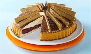tiramisu torte mit kirschen