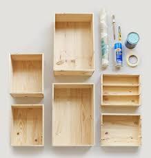 caisse a vin en bois aménager une chambre d enfants avec des caisses de vin en bois