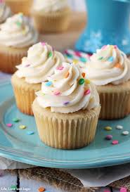 The Perfect Moist Fluffy Vanilla Cupcakes So Good