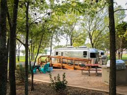100 Restored Airstream Trailers 6 Texas Getaways Featuring Accommodations For Vintage