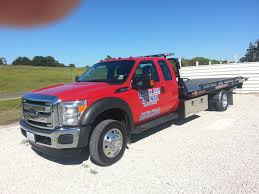 Small Lift Truck | County Line Diesel Towing & Recovery Wrecker Service