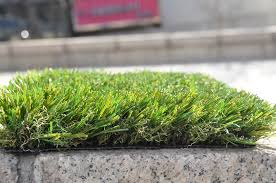 Cool Terrace Decoration with Fake Grass Rug – Deboto Home Design