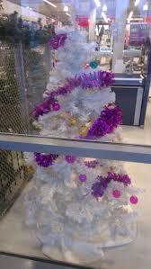 Mona Shores Tallest Singing Christmas Tree 154 best lelijke kerstboom images on pinterest twitter