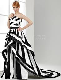 ball gown black and white wedding dress satin sweetheart