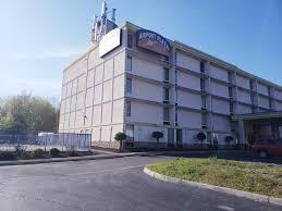 Airport Plaza Hotel, Roanoke, VA - Booking.com