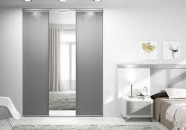 modèles de placards de chambre à coucher porte placard coulissante 3 vantaux porte de placard coulissante