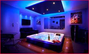 chambre avec jaccuzi luxe stock de chambre avec spa 12200 chambre idées