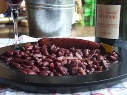 cuisiner des saucisses fum馥s saucisses fumées au vin la potée berrichonne cuisine cagne
