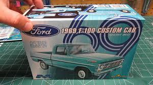 100 Plastic Truck Model Kits Moebius King 125 1969 Ford F100 Custom Cab Short Bed