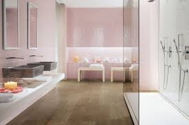 badezimmer fliesen italien rosa mosaik spiegel effekt glas