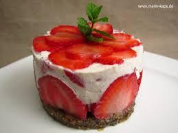 erdbeer törtchen mit mascarpone ricotta creme und boden ohne