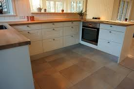 Best Flooring For Kitchen by Choose The Best Flooring For Your Kitchen Kitchen Ideas Design