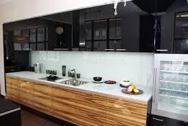 cuisine bois plan de travail noir plan de travail cuisine blanc affordable cuisine blanche plan de