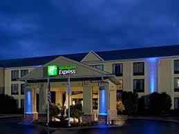 Holiday Inn Express & Suites Charlotte Arpt Belmont Hotel by IHG