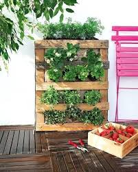 Pallet Garden Diy Vertical Burlap Strawberries Herbs Outdoor Furniture