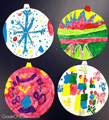 A Beautiful And Easy Art Project For Young Kids Painted Glittery Ornament