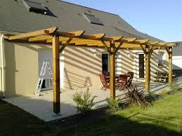 construction d une pergola en bois de garden