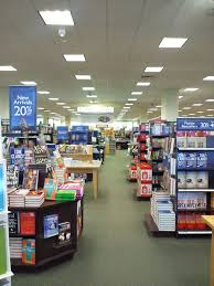 Panoramio of Inside barnes and Noble on Christmas eve