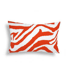 Decorative Outdoor Lumbar Pillows by Adding A Splash Of Color With Decorative Lumbar Pillows Decor On