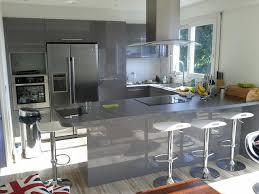 cuisine en u avec table cuisine en u laquée gris brillant cuisine design avec espace