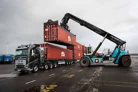 Volvo Truck Vs 750 Tonnes - The Awesomer Motoringmalaysia Truck News Volvo Trucks To Showcase Their Rolls Out Its Supertruck New Vnx Series Is Heavyhauls Heavy Hitter Desi Ribotuvas Ties 85 Kmval Nauda Monei Ar Nepatogumas Vairuotojui Geely Buys Big Stake In Road And Tracks The 2400 Hp Iron Knight Truck Is Worlds Faest Big Epic Split Featuring Van Damme Inspiration Room Fh16 750 Lvo Lvotruck Truck Trucks Sweden Apie Mus Saugumas Jis Gldi Ms Dnr News Archives 3d Car Shows Malaysia Unveils The Discusses Vehicle Owners On Upcoming Eld Mandate