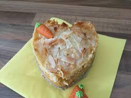 kokos karotten kuchen mit milchmädchen haube das muffin