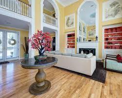 dekoration mit bonsai baum schafft stilvolle und naturnahe