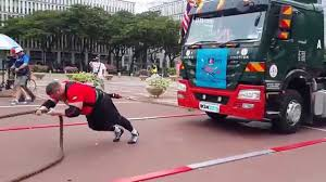 World's Strongest Man 2015 Final Day 1 - Truck Pull - YouTube