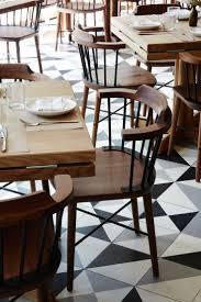 Kitchen Diner Booth Ideas by Best 25 Restaurant Tables Ideas On Pinterest Cafe Design
