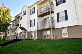 100 Crystal Point Apartments Crown E In Holland MI