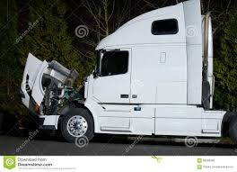 100 Semi Truck Engine With Open Hood And Repairs Stock Image Image Of