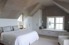 anordnung nach den regeln ein schlafzimmer im dachgeschoss