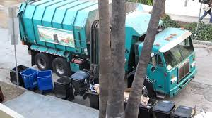 Hollywood Garbage Truck - YouTube