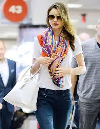 miranda kerr u0027s stylist how to wear this season u0027s chic scarves