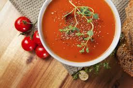 cuisiner les poivrons rouges recette soupe à la tomate et poivron