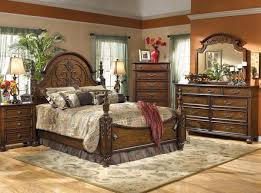 Luxury Traditional Bedroom Furniture Sets Decorating Ideas With Wooden Design