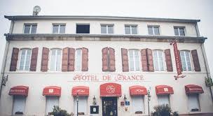 chambre d hote montmarault hôtel de réservez en ligne bed breakfast europe