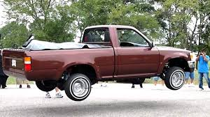 Lowrider Truck Dances And Blows Tires - YouTube