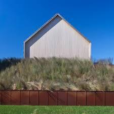 100 Architects Hampton Shingleclad House By Bates Masi Mimics Long Island Barns