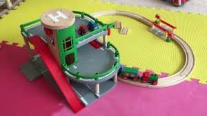plan toys car parking garage woodworking project ideas